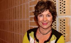 Amelia Adamo – 65 år och omslagsflicka