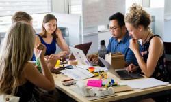 Introverta och extroverta personlighetstyper på arbetsplatsen